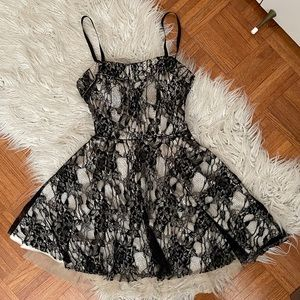 FOREVER 21 corset style lace dress S